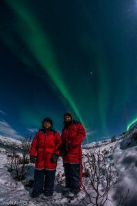 Viendo la aurora boreal en Tromso