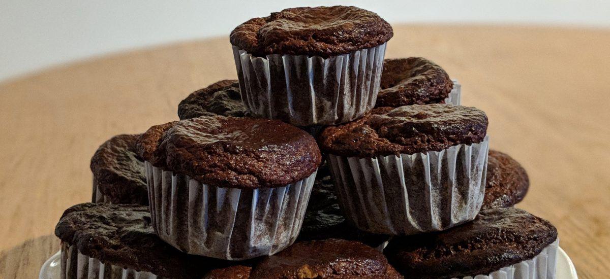Deleite-magdalenas de cacao supra-satisfactorias