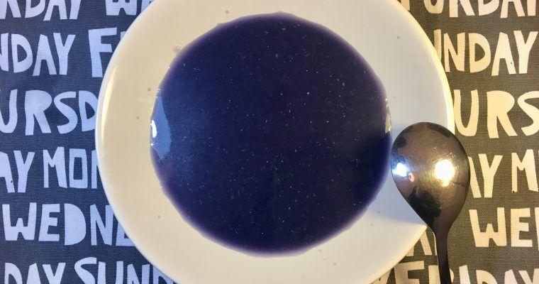 Crema de col lombarda (suave, sorprendente y azul)