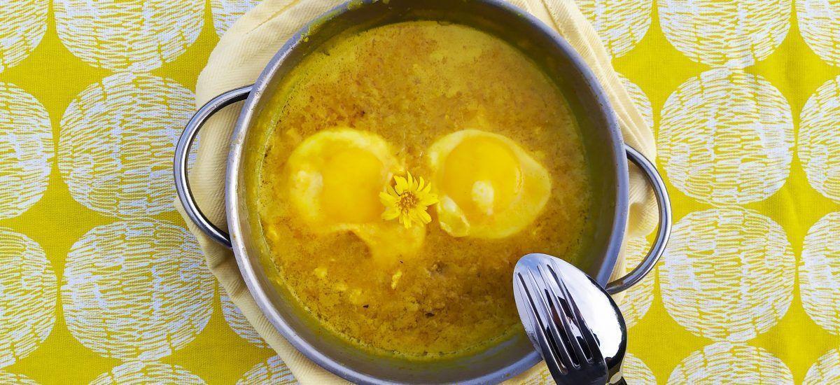 Huevos al curry (amarillo para colorear días grises)