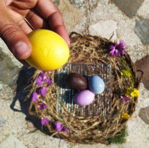 huevos de pascua de colores paleo keto sin colorantes