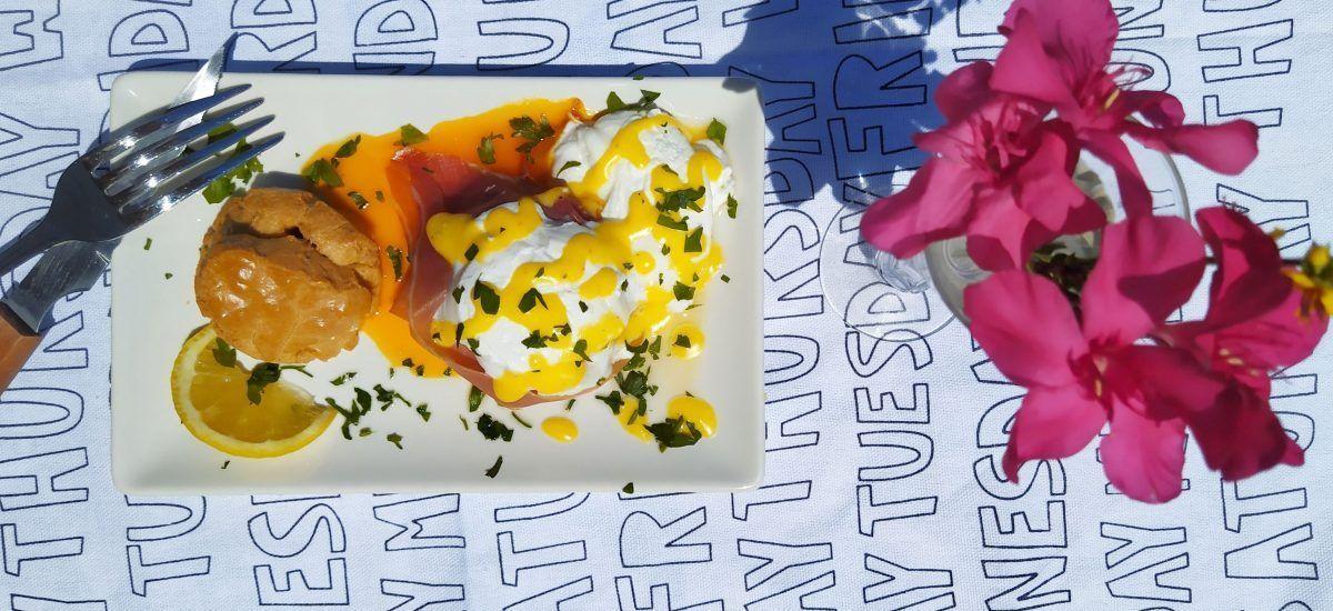 Los célebres huevos Benedict: ¡Marchando un anti-resaca!