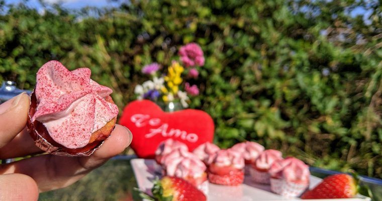 Pastelitos de fresa sobaícos para enamorados (o no)