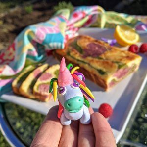 bizcocho unicornio low carb frambuesa moringa limon keto sin azucar sin gluten sin harina arcilla polimérica